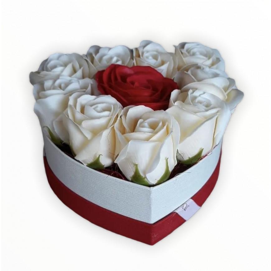 Box bielych ruží z mydla